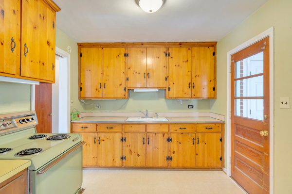 kitchen at 2713 McElroy Drive